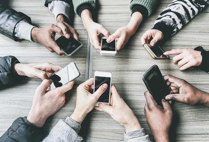 How to have a better relationship with our phones